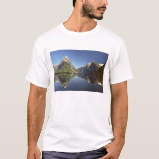 New Zealand, Mitre Peak & Milford Sound, T-Shirt