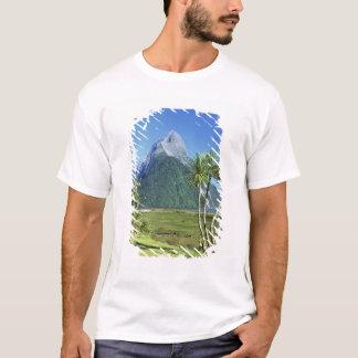 New Zealand, South Island,  Mitre Peak, T-Shirt