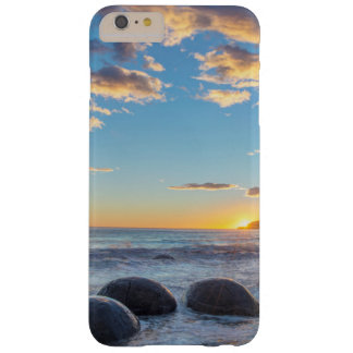 New Zealand, South Island, Moeraki Boulders Barely There iPhone 6 Plus Case