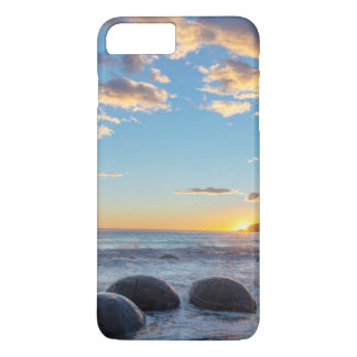 New Zealand, South Island, Moeraki Boulders iPhone 8 Plus/7 Plus Case