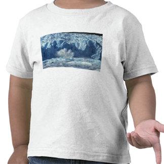 Newly-calved iceberg splashing into chilly shirts