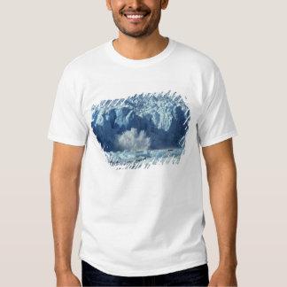 Newly-calved iceberg splashing into chilly tshirt