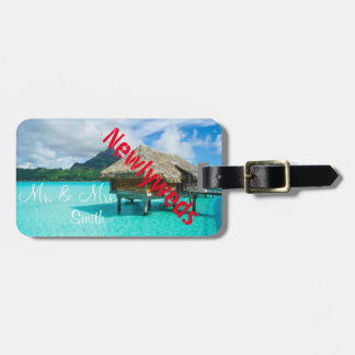 Newlyweds honeymoon vacation luggage tag