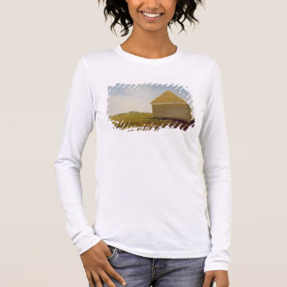 Newmarket Heath, with a Rubbing-Down House, c.1765 Long Sleeve T-Shirt