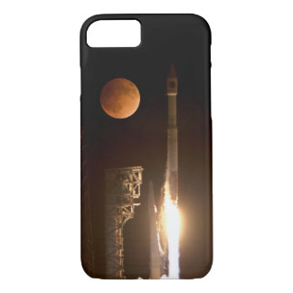 Night Atlas Rocket Space Launch iPhone 8/7 Case