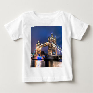 Night falls over Tower Bridge Baby T-Shirt