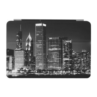 Night view of Chicago's famous cityscape iPad Mini Cover