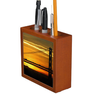 North America, USA, California, San Francisco. 3 Desk Organiser