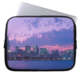North America, USA, IL. Chicago skyline at dusk Laptop Sleeve
