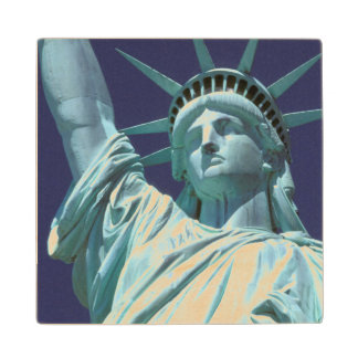 North America, USA, New York, New York City. 7 Wood Coaster