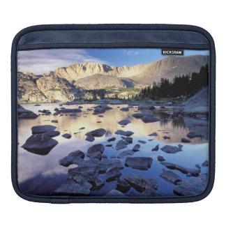 North America, USA, Wyoming, Yellowstone 3 iPad Sleeve