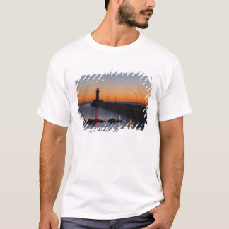 North pier Lighthouse in Duluth, Minnesota, T-Shirt