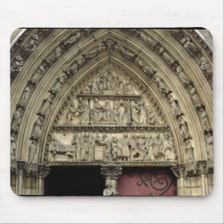 North transept portal, detail of tympanum mouse mat