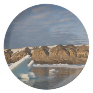 Norway, Svalbard, Spitsbergen Island, Setting Plate