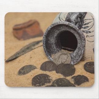 Novel coins mouse mat
