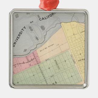 Oakland, vicinity 16 Silver-Colored square decoration