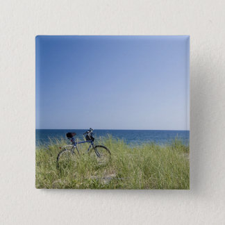 Ocean and horizon with clear blue sky 15 cm square badge