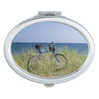 Ocean and horizon with clear blue sky travel mirrors