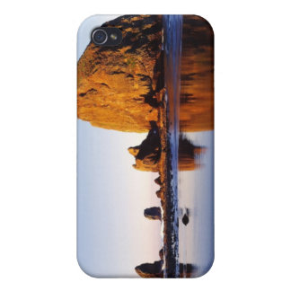 Ocean Rock Spires Case For The iPhone 4