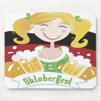 Octoberfest Mädchen Mousepad