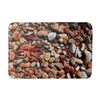 Octopus pebbles bath mat