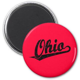 Ohio script logo in black distressed 6 cm round magnet