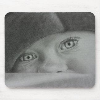 Ojos lindos mousepad