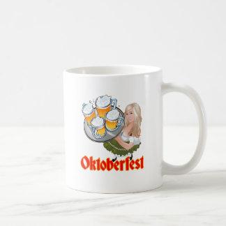 Oktoberfest Mädchen Basic White Mug