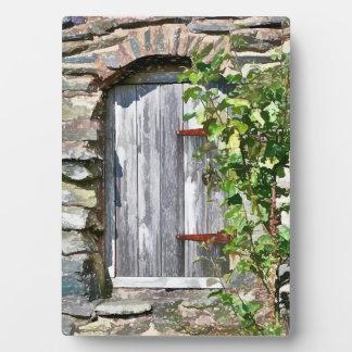 OLD BARN DOOR PLAQUE