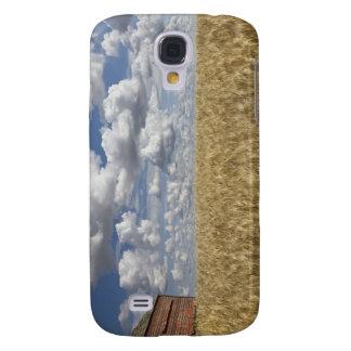 Old Barn in Wheat Field 2 Galaxy S4 Case
