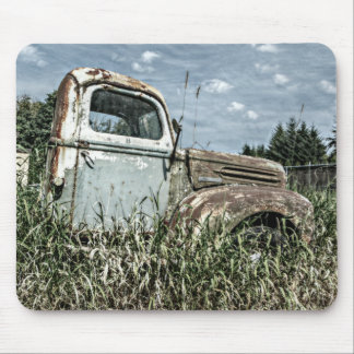 Old Beater Truck - Rusty Vintage Farm Vehicle Mouse Mat