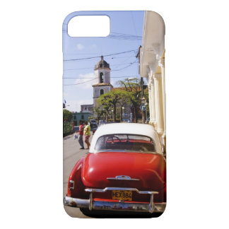 Old classic American auto in Guanabacoa a town iPhone 8/7 Case