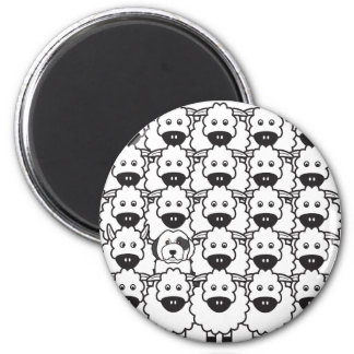 Old English Sheepdog in the Sheep 6 Cm Round Magnet