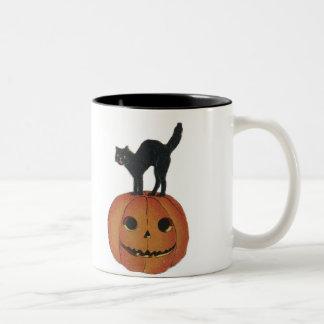 Old Fashioned Halloween Jack-O-Lantern & Black Cat Two-Tone Mug