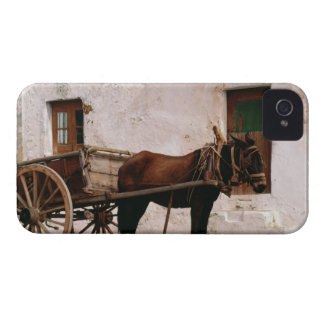 Old-fashioned horse-drawn cart Case-Mate iPhone 4 case