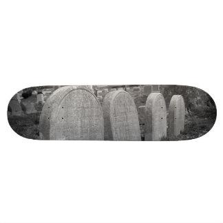 old headstones 20.6 cm skateboard deck