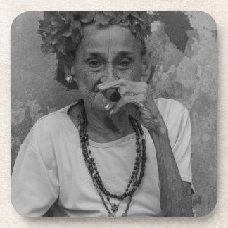 Old lady smoking cuban cigar in Havana Drink Coaster