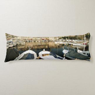 Old port body cushion