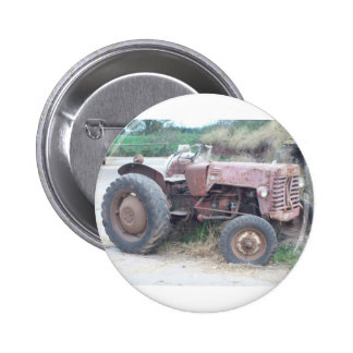 Old red tractor 6 cm round badge
