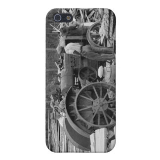 Old Sawmill Tractor, 1935 iPhone 5 Case