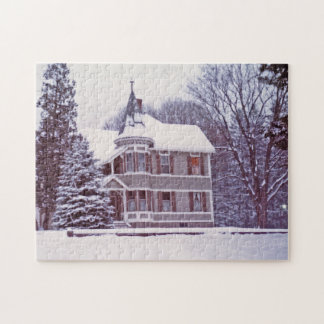 Old Victorian House at Christmas Puzzle
