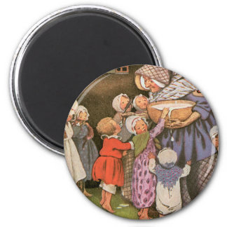 Old Woman in the Shoe 6 Cm Round Magnet