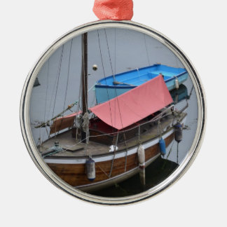 Old wooden yacht Silver-Colored round decoration
