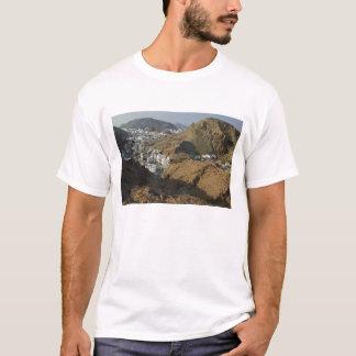 Oman, Muscat, Ruwi/Al Hamriyah. View of Ruwi / T-Shirt