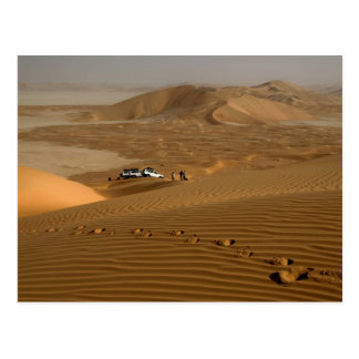 Oman, Rub Al Khali desert, driving on the dunes Postcard