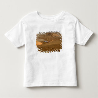 Oman, Rub Al Khali desert, driving on the dunes Toddler T-Shirt