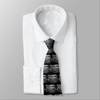 On A sunday afternoon Tie