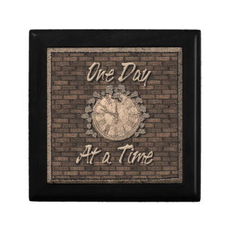 One Day at a Time God Box, Medallion Box