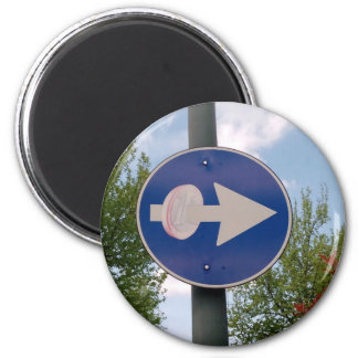 One euro one way 6 cm round magnet