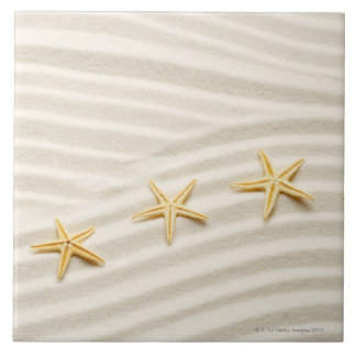 One unstraight row of starfishes tile